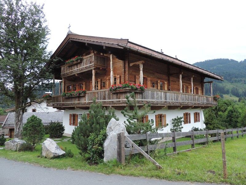 Altholz holzbau mitterer for Traditionelles tiroler haus